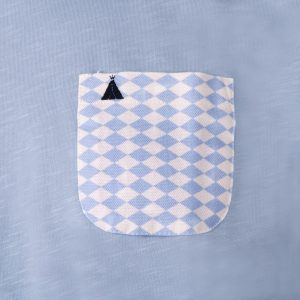 T-shirt with blue pocket
