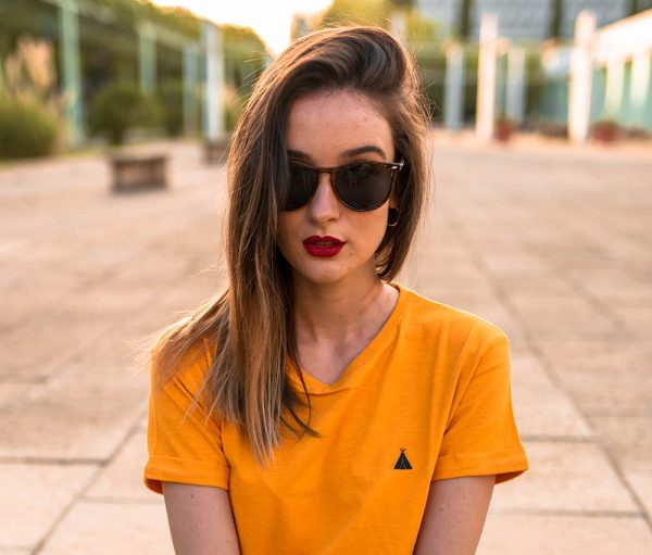 gafas de sol amarillas