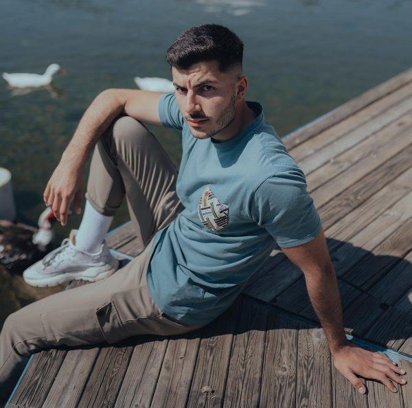Camiseta verde con bolsillo
